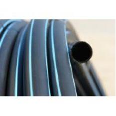 Труба ПВД черная с синей полосой