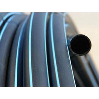 Труба ПВД черная с синей полосой (10 атм)